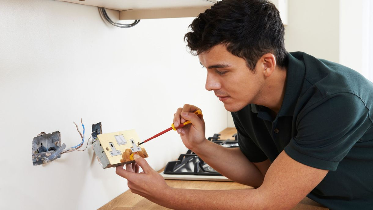 domestic electrician blackpool, lancashire domestic electrical services